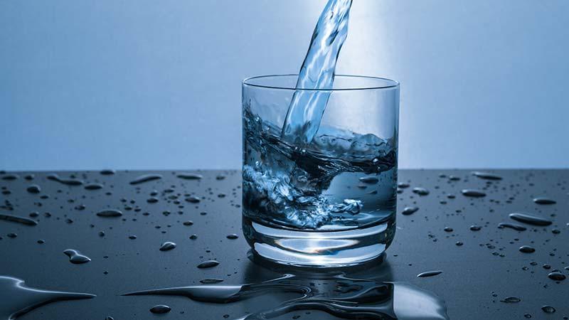 cambio-consumo-acqua-minerale